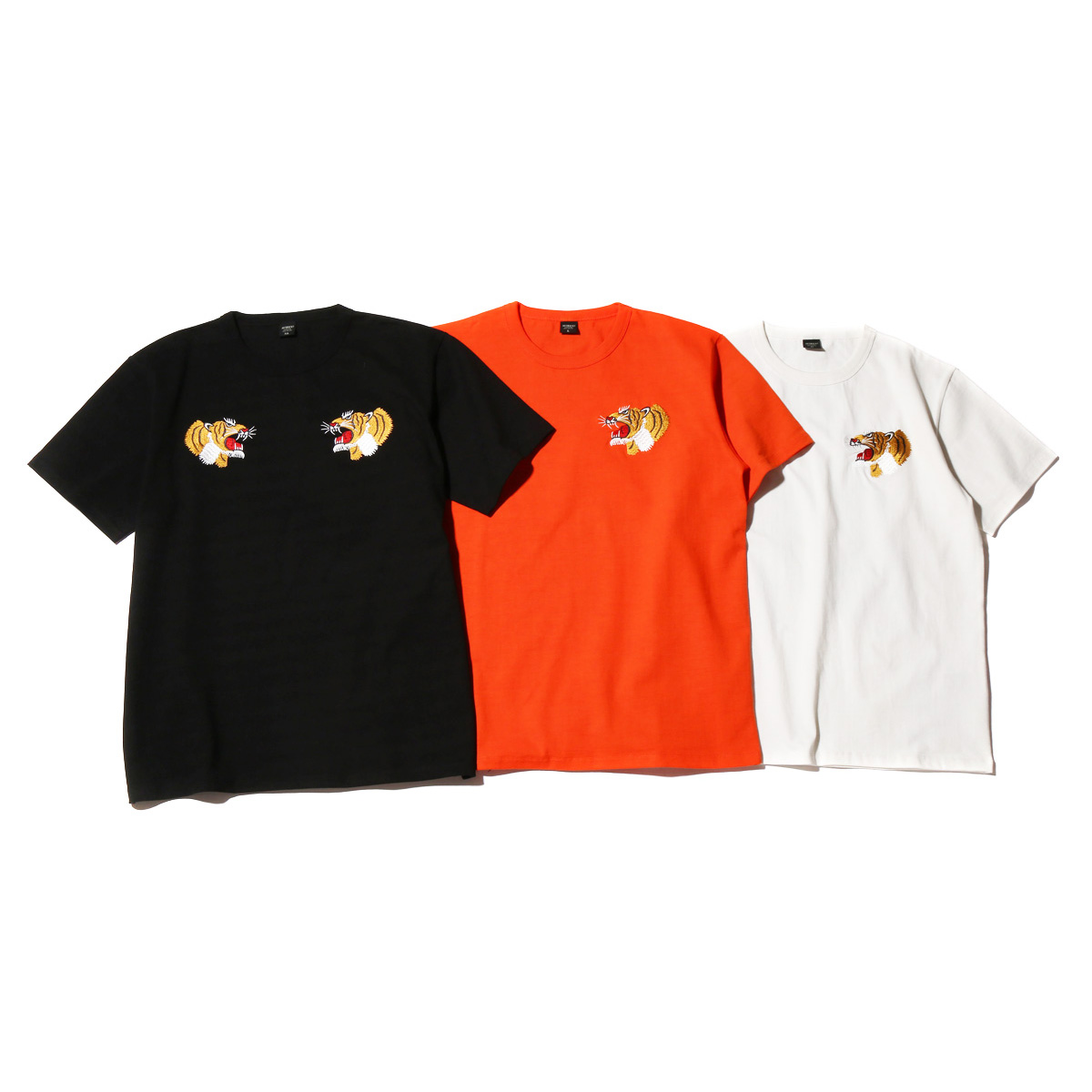 AVIREX x ATMOS LAB EMBROIDERY TEE (TIGER )